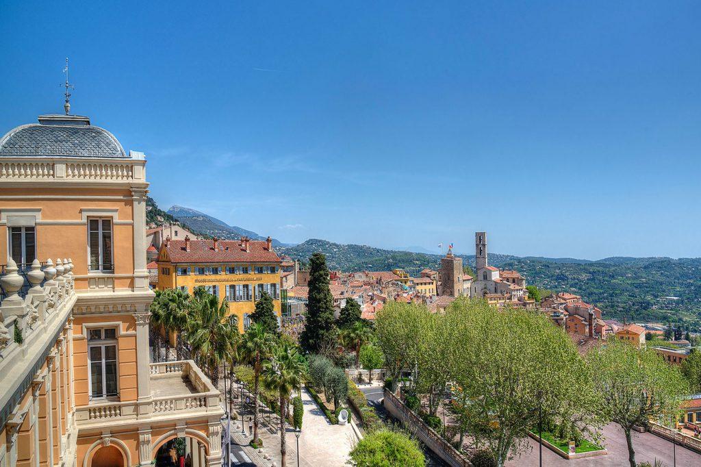 Photo depuis la terrasse panoramique du palais des congrès de Grasse