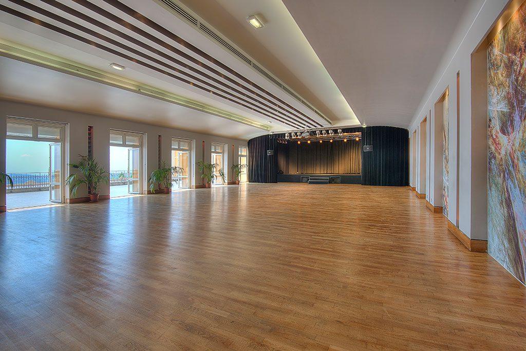 Photo de la salle de gala du palais des congrès de Grasse