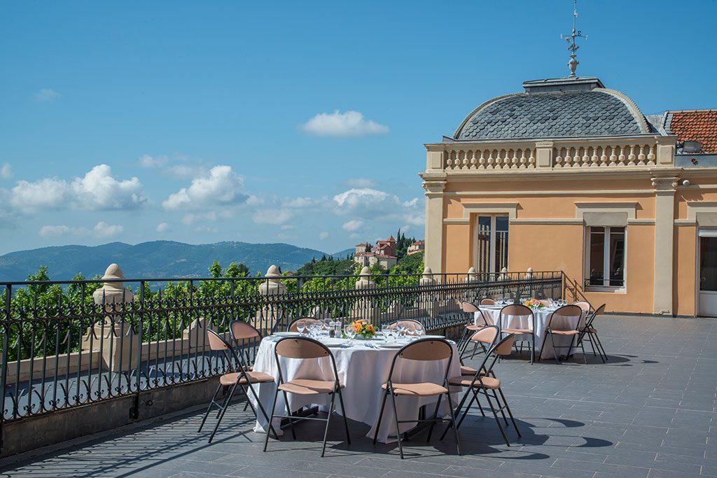 Photo de la terrasse panoramique du palais des congrès de Grasse
