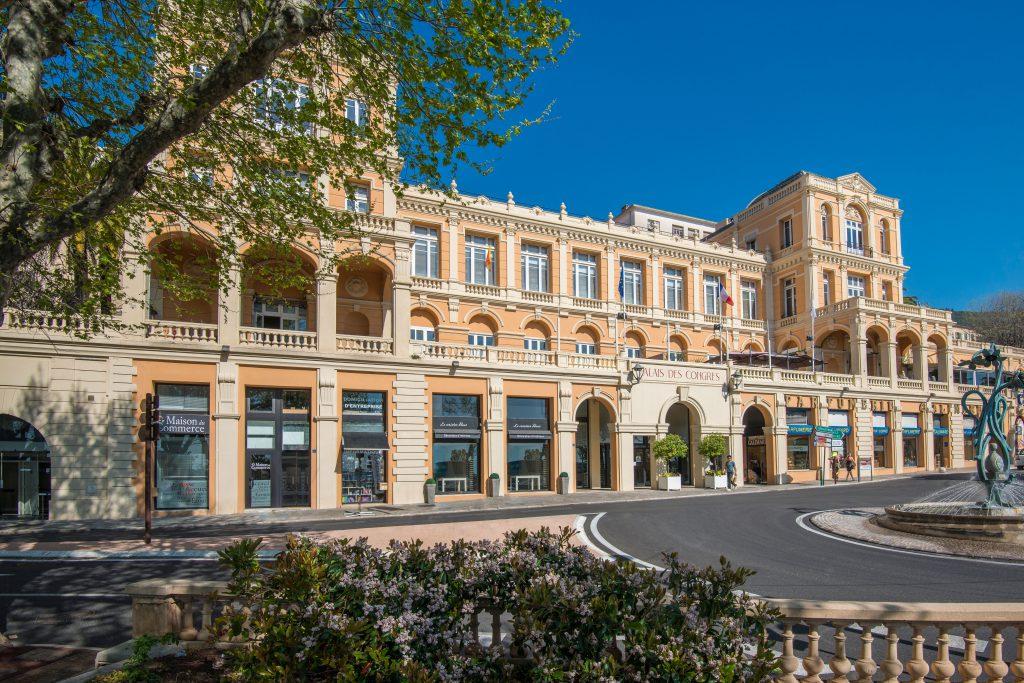 Photo du palais des congrès de Grasse façade sud